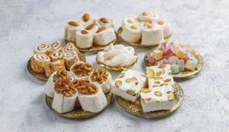 تفسير حلم أكل الحلويات | قراءة في نفسية الحالم عند رؤية الحلوى بأنواعها
